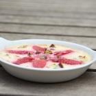 Crème brûlée aux fraises et à la pistache