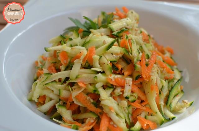 chroniques gourmandes courgettes et carottes r p es en salade. Black Bedroom Furniture Sets. Home Design Ideas